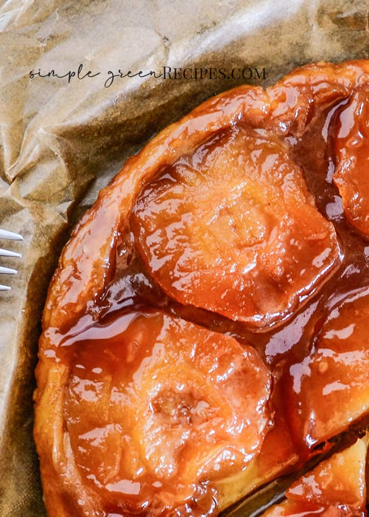 Tarte Tatin with caramelized apples