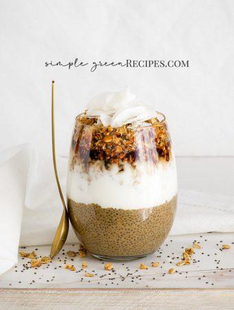 Granola Coconut Creamy Chia Pudding