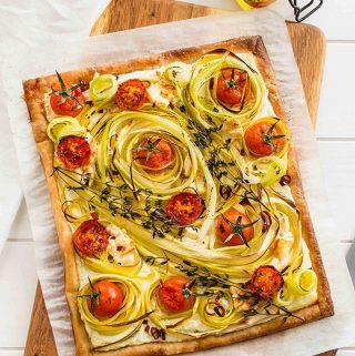 Easy Vegan Leek Tomato Tart