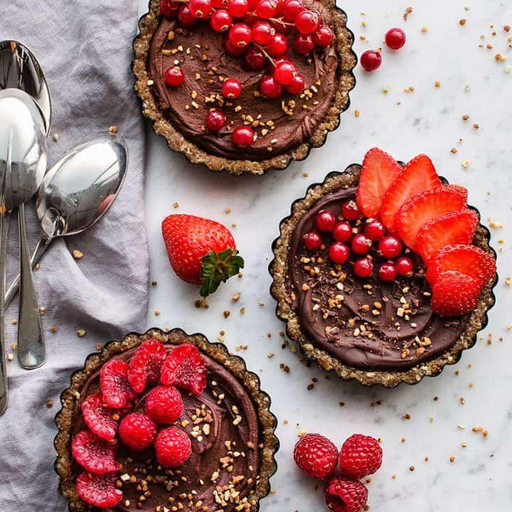 No bake vegan chocolate tartlets