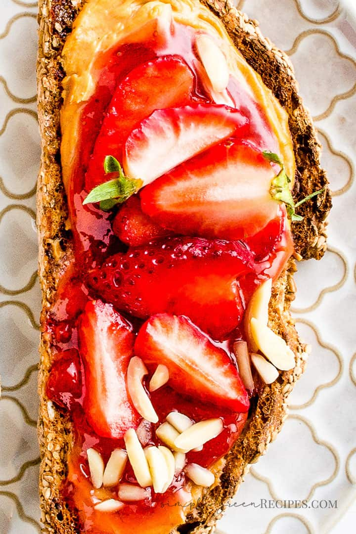 Gluten-free Peanut Butter Strawberry Toasts