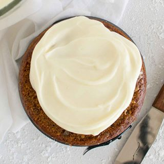 Easy vegan cream cheese frosting