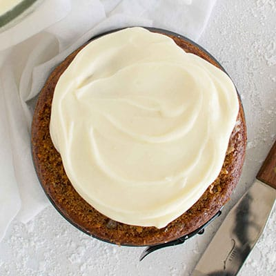 Easy vegan cream cheese frosting